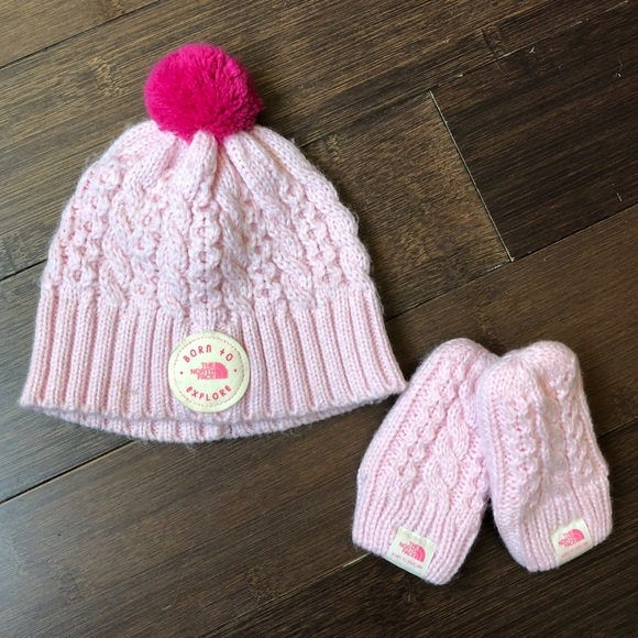 87127f7aa The North Face Baby Minna Hat and Mitten Set XXS